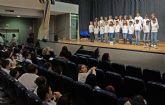 Mas de 200 escolares participan en el tradicional festival de villancicos de Las Torres de Cotillas