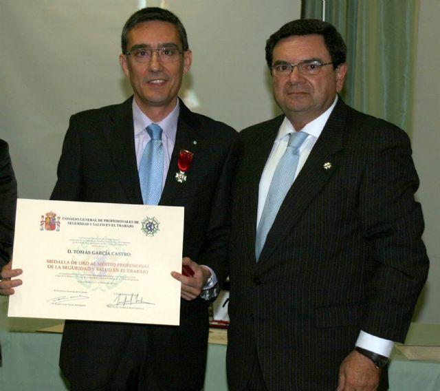Medalla de oro al mérito profesional de la seguridad y salud en el trabajo - 1, Foto 1