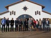 El consejero de Fomento destaca las mejoras del Club Náutico Mar Menor de Los Alcázares para incrementar la excelencia náutica