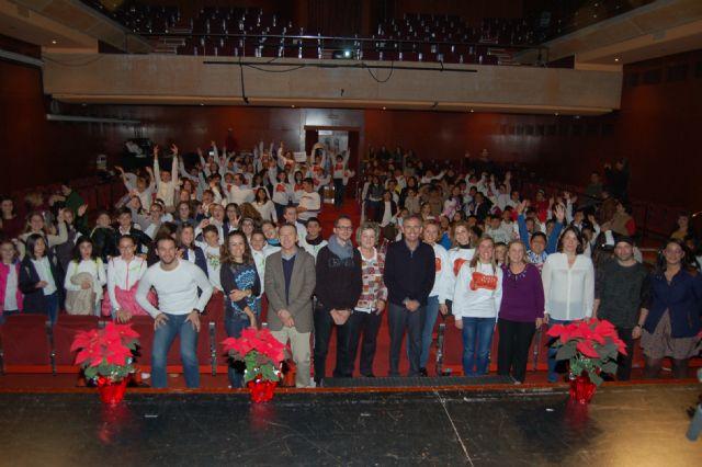 700 alumnos de 17 colegios de la Región participan en el primer encuentro