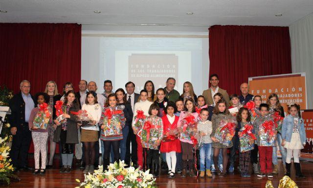Casi 600 escolares participan en el concurso de cuentos navideños convocado por la Fundación de Trabajadores de ElPozo Alimentación, Foto 1