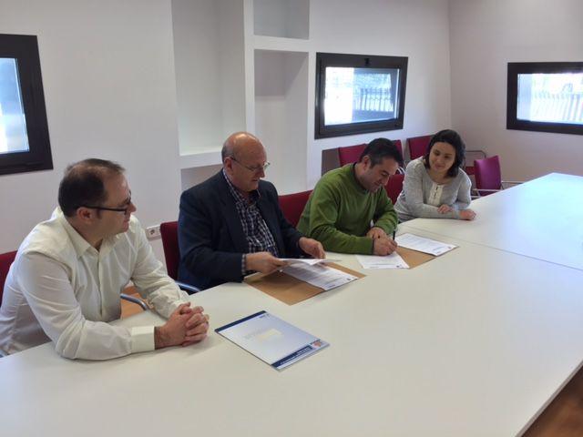 Los empresarios del Parque Industrial Oeste y el Ayuntamiento de Alcantarilla firman el convenio de colaboración - 3, Foto 3