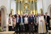 La Comunidad entrega al párroco de Santomera la imagen restaurada de la patrona del municipio, la Virgen del Rosario
