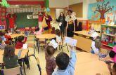 El Cartero Real visita los colegios públicos de Puerto Lumbreras para recoger las cartas de los escolares