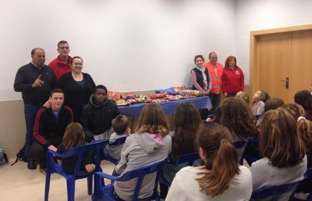 El Albergue Juvenil de San Pedro del Pinatar organizó una recogida de alimentos - 1, Foto 1