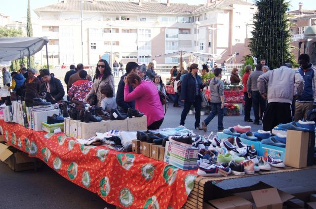 Successful participants in the Second Christmas Fair held last Sunday in the Plaza of the Constitution