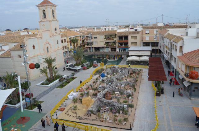 El Belén vuelve a tomar la plaza de España de San Javier - 1, Foto 1