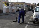 La Guardia Civil esclarece un delito de maltrato animal en el que un gato fue apaleado en plena calle