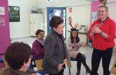 Los beneficiarios del servicio de teleasistencia municipal disfrutaron de un taller de risoterapia