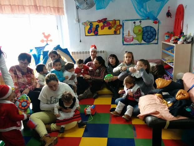 "The educational community of the Children Municipal School ""Clara Campoamor"" celebrates the traditional celebration of Christmas and visit of the Magi"