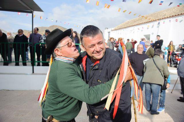 Los vecinos de las Balsicas cumplen con la tradición, Foto 1