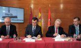 Ballesta firma un convenio con la Asociación Murciana de Empresas de Publicidad Exterior para retirar más de 400 vallas publicitarias y mejorar la imagen del municipio
