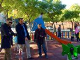 Cuatro jardines de ´El Infante´ cuentan con zonas de juego infantil renovadas y nuevos aparatos de gerontogimnasia