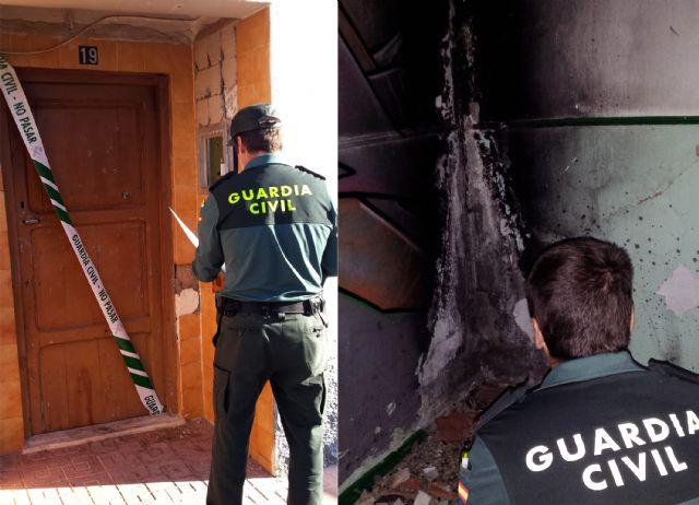 La Benemérita rescata in extremis a dos jóvenes de una vivienda incendiada - 4, Foto 4
