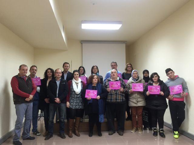 Clausurado el curso de informática para desempleados, organizado por la Asociación Proyecto Abraham - 1, Foto 1