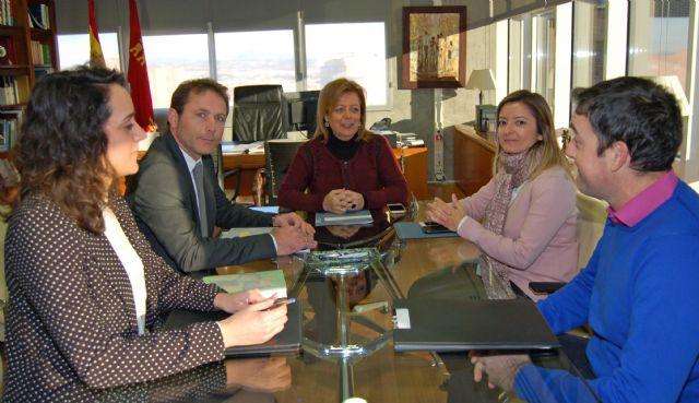 La consejera de Educación y Universidades se reúne con el alcalde de Torre Pacheco - 1, Foto 1