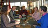 La consejera de Educación y Universidades se reúne con el alcalde de Torre Pacheco