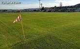 Concluyen los trabajos de resiembra del césped natural del estadio municipal 'Juan Cayuela'