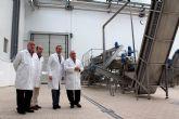 El director del Info visita las instalaciones de la empresa conservera Hida