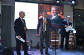 El líder británico en la fabricación de sofás, DFS, abrió ayer en San Javier su primera tienda en España