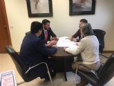 El Alcalde visita la sede del INVIED, en Madrid, para conocer la empresa adjudicataria del proyecto de urbanización de la Ciudad del Aire