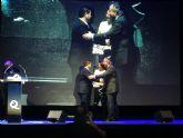 El Instituto para la Calidad Turística de España, ICTE, premia a Mariano López, inventor de la 'Q' en la arena