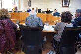 El Gobierno municipal se reúne con representantes de la Asociación de Vecinos de la urbanización 'La Charca'