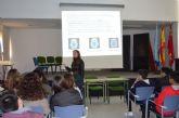 La concejalía de Educación y Protección Civil advierten a los estudiantes de secundaria de los peligros del alcohol, mediante charlas en los institutos