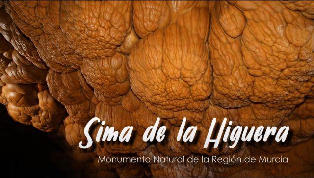 Más de 6.000 personas han visto ya el documental de la Comunidad que recorre la Sima de la Higuera - 1, Foto 1