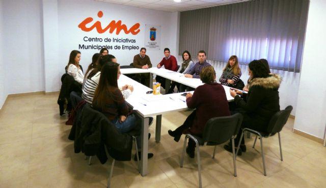 17 universitarios comienzan sus prácticas extracurriculares en el ayuntamiento de Mazarrón, Foto 1