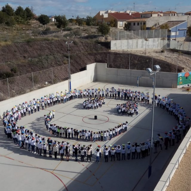 """The CEIP La Cruz brings out his best smile on the """"Day of Peace"""" - 1"""