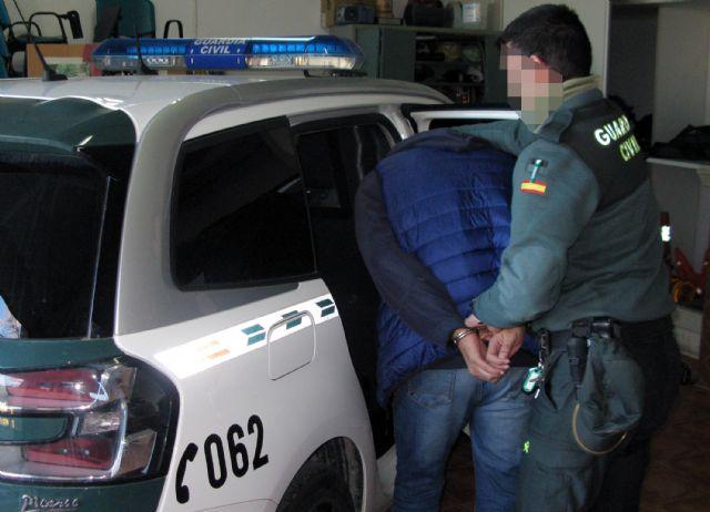 La Guardia Civil desmantela un grupo criminal dedicado al robo en naves industriales de Santomera - 1, Foto 1