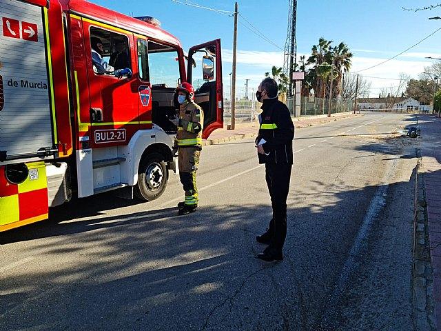 Bomberos del CEIS neutralizan un derrame de ácido clorhídrico de un camión que circulaba por Santomera - 2, Foto 2