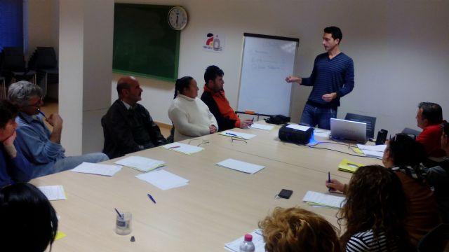 Desempleados en búsqueda activa de empleo de Totana acceden a formación en actividades auxiliares de agricultura, Foto 4