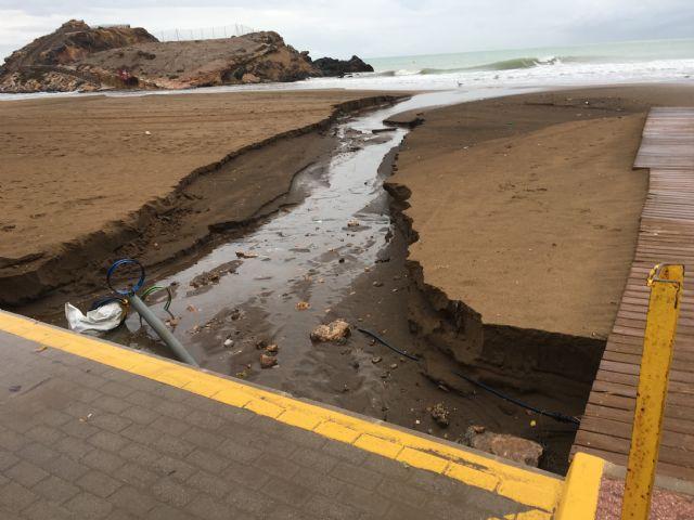 Las obras de emergencia para la regeneración de las playas de Mazarrón afectadas por el temporal terminarán antes de final de mes - 2, Foto 2