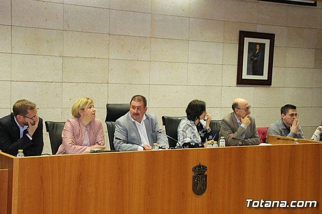 El Pleno acuerda aprobar la incorporación de las obras de rehabilitación y pavimentación del Camino del Cementerio, Foto 1