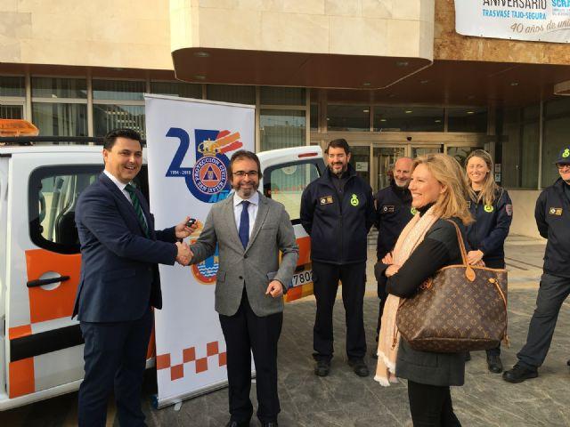 La consejería de Presidencia cede un vehículo a Protección Civil de San Javier para una campaña divulgativa de autoprotección - 1, Foto 1