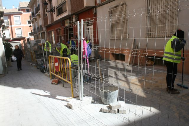The work of repairing the cobbled streets continues in different streets of the historic center of the city - 2