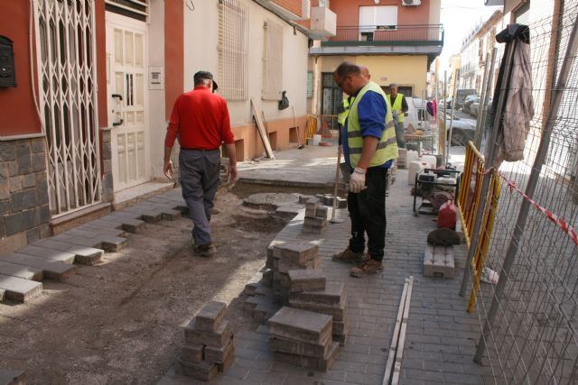 The work of repairing the cobbled streets continues in different streets of the historic center of the city - 5