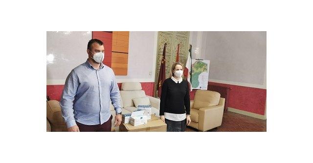 """La empresa ceheginera """"Sumicoop"""" dona 4000 mil mascarillas para las personas más vulnerables del municipio - 1, Foto 1"""