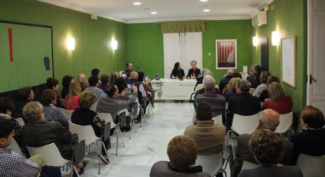 La poeta lumbrerense Carmen Martínez presenta su nuevo libro Getsemaní, mi pasión - 2, Foto 2