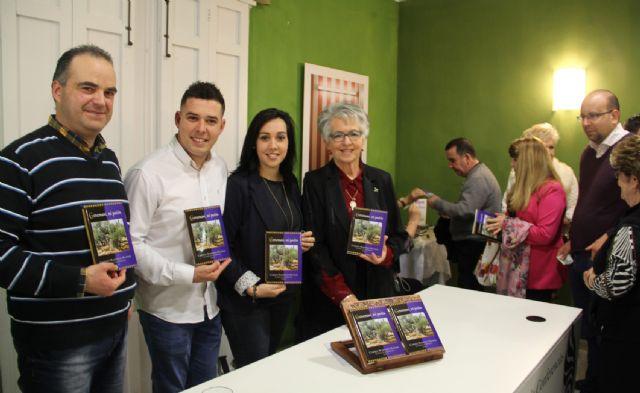 La poeta lumbrerense Carmen Martínez presenta su nuevo libro Getsemaní, mi pasión - 3, Foto 3