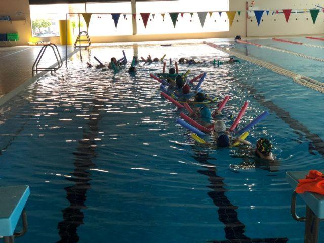 Actividades de natación en los colegios de Alhama, Foto 1