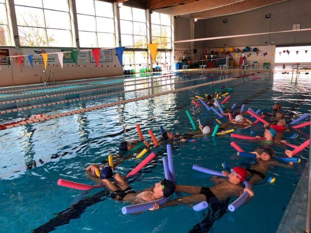Actividades de natación en los colegios de Alhama, Foto 2