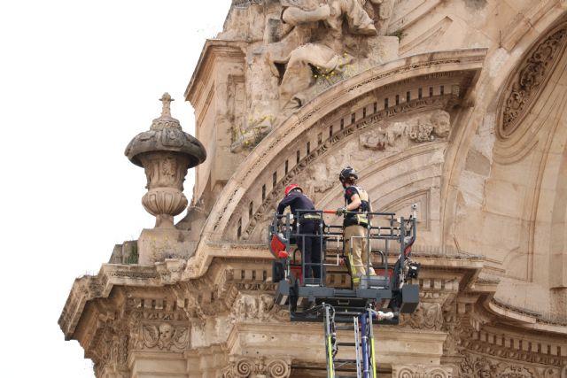 Huermur denuncia la nueva caída de cascotes de la Catedral de Murcia - 1, Foto 1