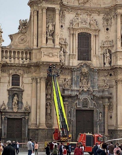 Huermur denuncia la nueva caída de cascotes de la Catedral de Murcia - 2, Foto 2