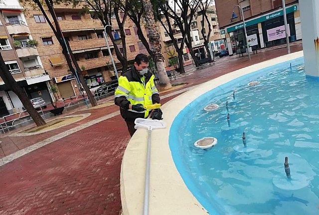 Parques y Jardines mantiene el protocolo de limpieza de lagos y fuentes para controlar la salubridad del agua - 2, Foto 2