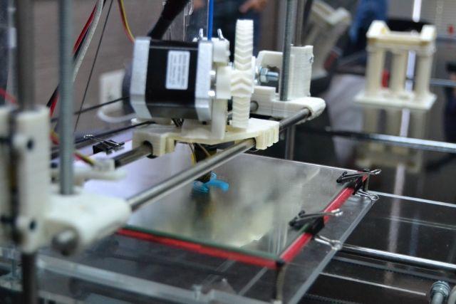 La adjudicataria de la nueva residencia de la UPCT financia dispositivos para imprimir bastones del coronavirus en 3D - 1, Foto 1