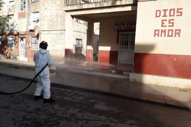 Bomberos desinfectan Lo Campano mientras Policía Local aumenta los controles para que se respete el confinamiento por el brote de COVID - 1, Foto 1