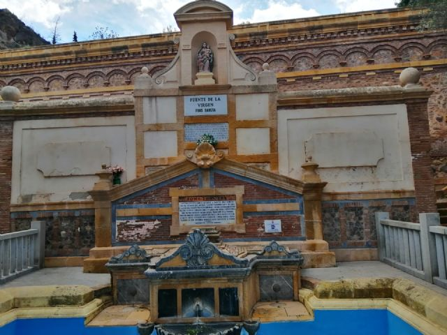 Denuncia el estado en el que se encuentra la fuente del Santuario de la Virgen de la Fuensanta - 2, Foto 2
